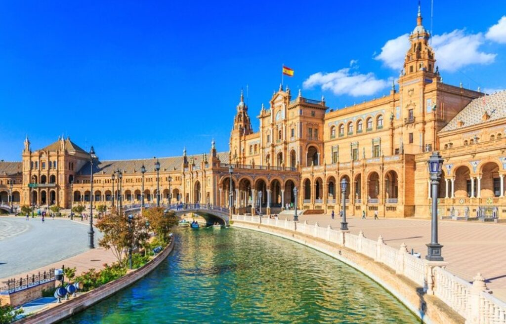 Beautiful Places to Visit in Spain's 16 Best Cities.